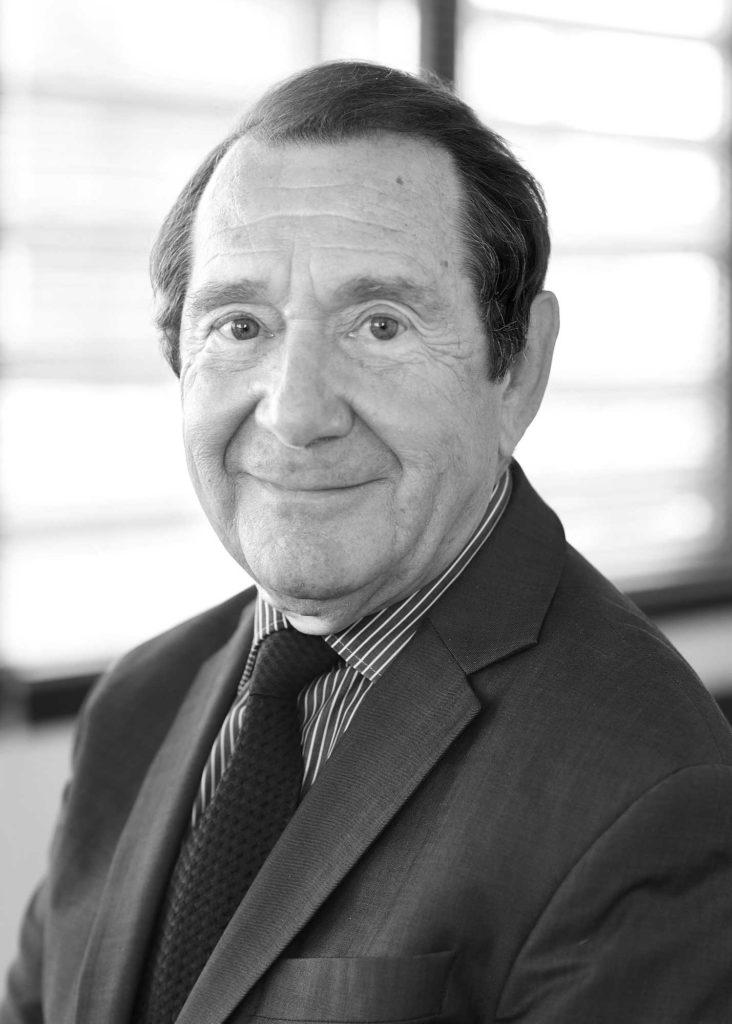Maître Francis Alcade